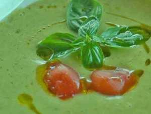vellutata di zucchine al basilico