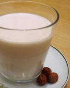 latte di nocciole